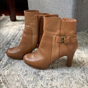 Nine West Camel Leather Booties Size 7 1/2